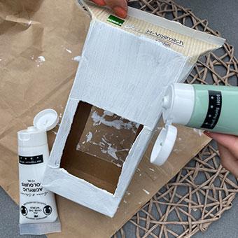 DiY Vogelhaus: Acrylfarbe