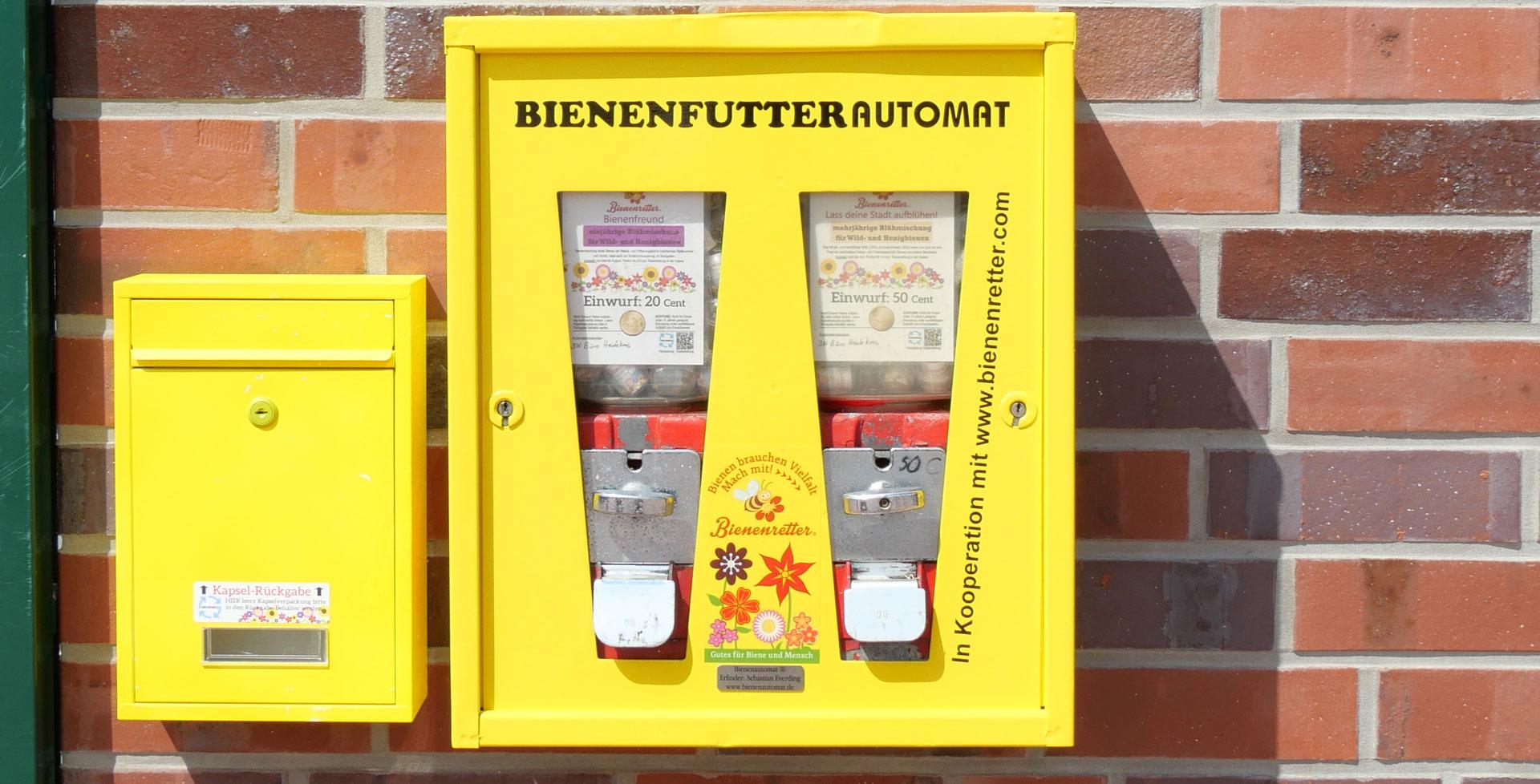 Bienenrettung aus dem Kaugummi-Automaten