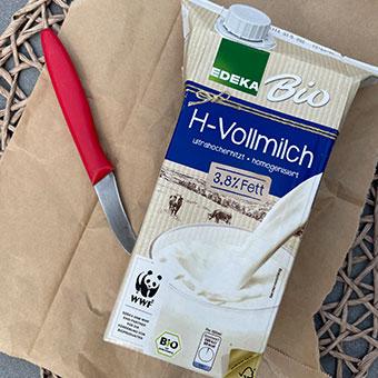DiY Vogelhaus: Milchtüte schneiden